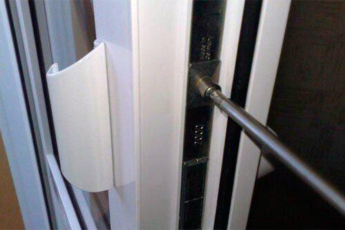Настройка балконной ПВХ двери